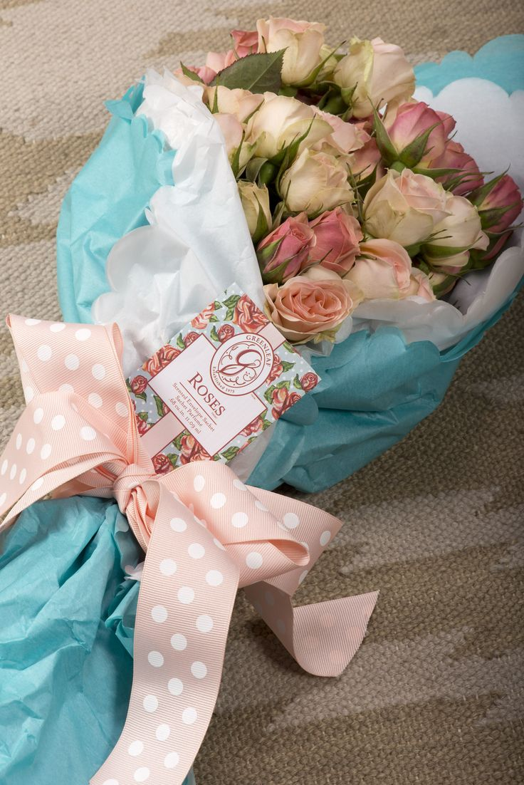 Roses is the perfect fragrance for Valentine's Day! Attach a small sachet to a bouquet of roses for little something extra she can keep after they have withered.
