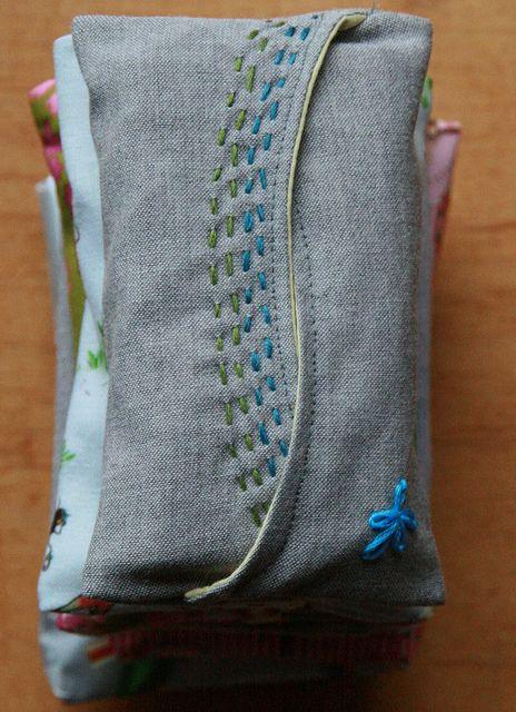 used the following tutorial: craftsnob.com/2011/04/sewing-101-part-3/ tissue holder tutorial - papierenzakdoekzakskes