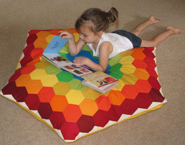 rainbow hexie floor pillow! - GREAT TUT Cushions & Pillows Pinterest Sew, Pillows and Rainbows