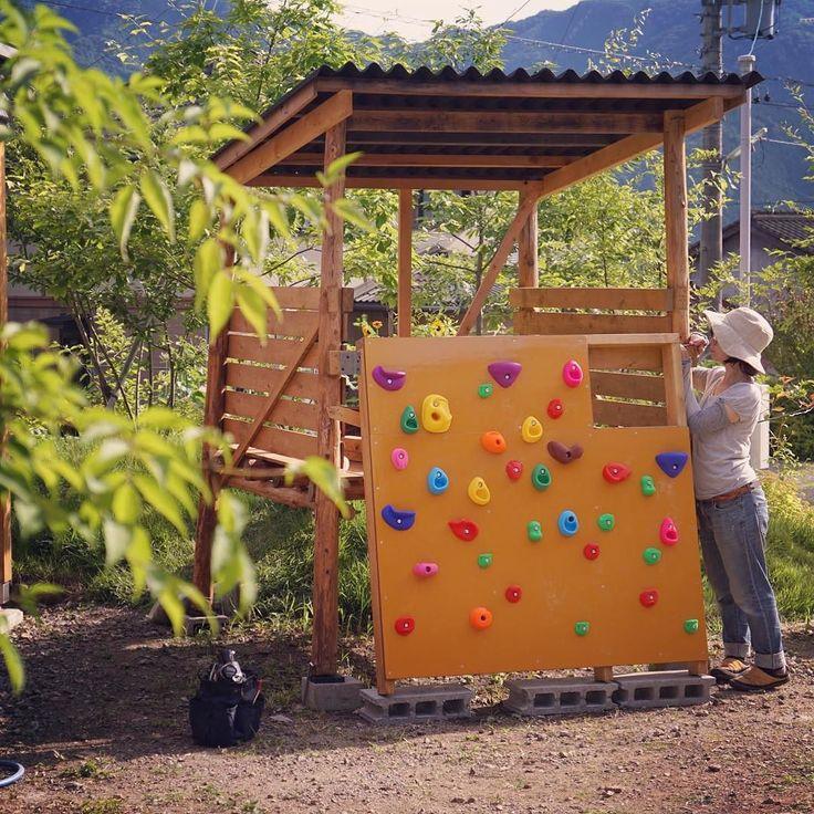 子供たちが留守の間に城をバージョンアップ #ボルダリング #小屋 #庭 #diy