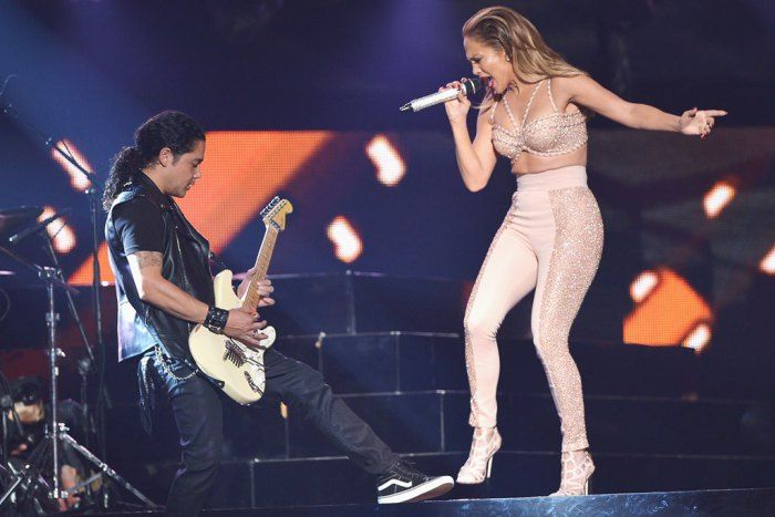JLo performing a tribute to Selena at the Latin Music Awards.