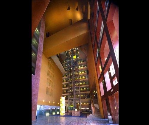 HOTEL SHERATON ABANDOIBARRA Arquitecto Asociado: TDM Arquitectos Arquitecto Ejecutivo: Aurtenechea & Pérez-Iriondo Arquitectos Diseño de Interiores: Legorreta + Legorreta Año: 2004