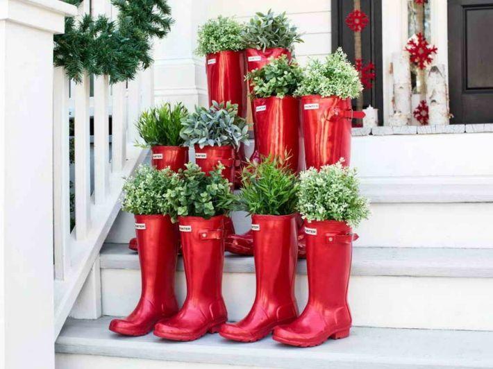 Hoy les queremos mostrar 47 estupendas ideas para la decoración navideña del porche de entrada hacia el hogar, no se pierdan nuestra recopilación de fotos.