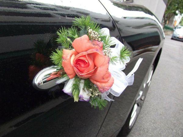 La décoration de voiture de mariage va faire votre fête inoubliable et plein de souvenirs! Consultez notre sélection de photos pour vous inspirer d'idées!