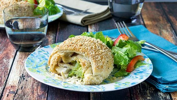 Chicken & broccoli pockets  start to finish, 30 minutes is all you need for cheesy chicken goodness.