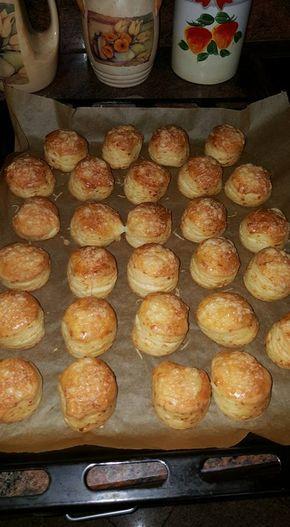 A legegyszerűbb és legfinomabb sajtos pogácsa receptje