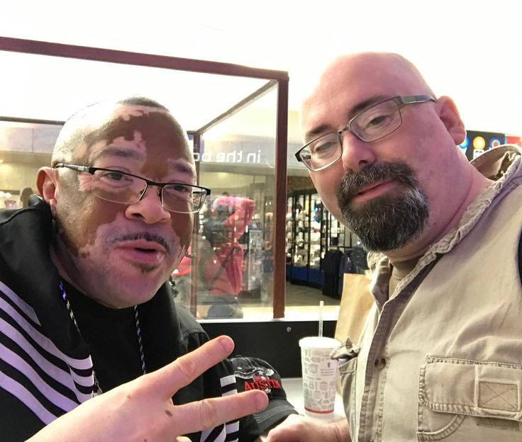 This is Perry Whaley. We both have Vitiligo. If you've followed me or Geekazine over the years you have seen me lose the majority of my melonin. You can watch the videos before 2013 to really see the difference.  Perry is part of Vitiligo Bond Inc. He was in Houston to raise awareness. It's part of a 30 city tour.  Vitilego is also the skin condition Michael Jackson had although he rarely talked about it.  There are some treatments which don't give great results. For the most part using…