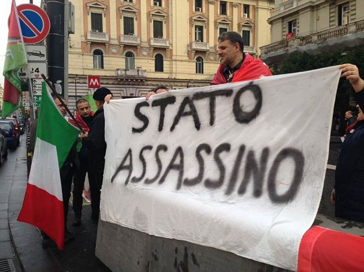 """""""Stato assassino""""🇮🇹 #Manifestazione #Politica #Italy #Stato #GiovaniinRivoluzione #Forconi #Rivoluzione #Politici #Flag #Italia"""