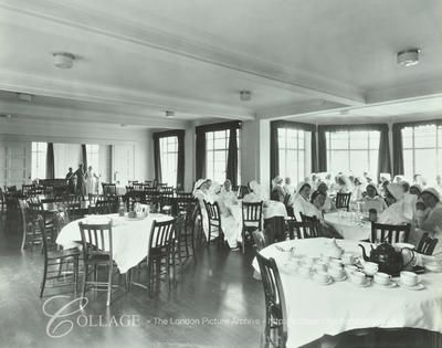 Mile End Hospital: nurses in the dining room.