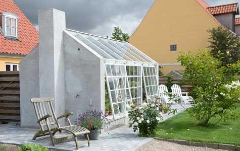 Drivhus, udestue, orangeri - bag alle disse betegnelser ligger villaejernes ønsker om at skabe optimale rammer (af glas) for grønne vækster. Havemanden...