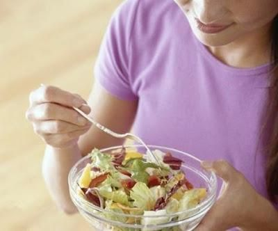 La dieta de la ensalada, es la dieta que utilizo Mariah Carey, con esta dieta se pueden adelgazar hasta 2 kg en una semana, es una dieta ideal para estos climas