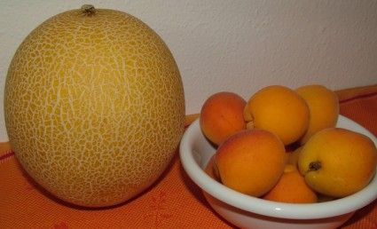 honeydew melon and apricots