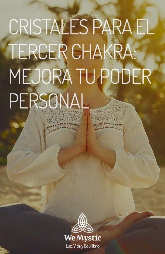 El tercer chakra es el chakra del plexo solar. Los mejores cristales para el tercer chakra se encargan de trabajar en la zona donde el honor personal, la responsabilidad por los demás o la fuerza de voluntad emergen. Este chakra es conocido también como el del poder. Chakras, Solar Plexus Chakra, Willpower, Chakra