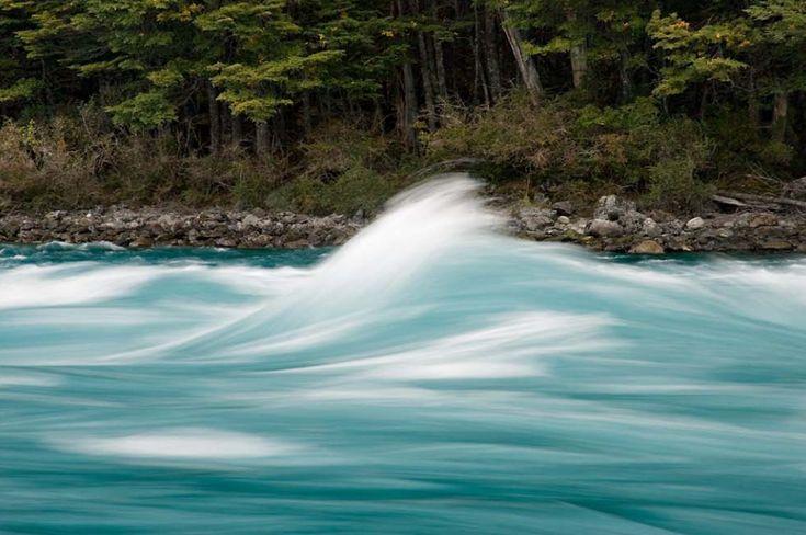 Agua siempre en movimiento: los rápidos en el nacimiento del río Baker