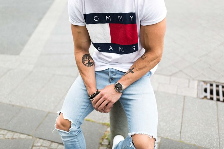 """The """"no logo"""" rule for t shirts are gone, so take a look at these Logo T Shirts Street Style that influencers are wearing on Instagram right now."""