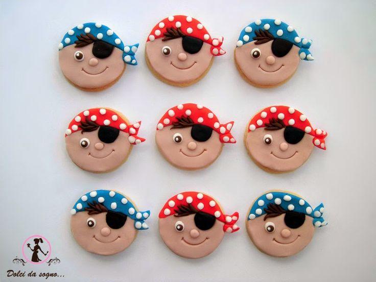 Dolci da sogno...: Biscotti dei pirati, decorati in pasta di zucchero