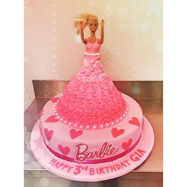 OPA!!! Next thing you know Barbie will be at an Ola Kala event....emojiemojiemojiemoji #barbie #birthday #cake #greekbakery #seranobakery #Toronto #bakery