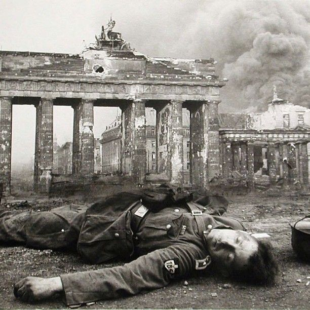 Artillery from the Soviets began to fall on Berlin. 20 April 1945. Hitler had a brief 56th birthday celebration and was then urged by his generals to head south. Refusing, he instead set up a northern command under Dönitz & a southern command under Kesselring. Hitler would be dead 10 days later...