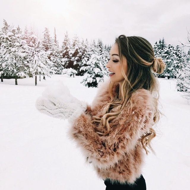 Snow is coming, wrap up warm | Casual and stylish outfit ideas for fashionable women.