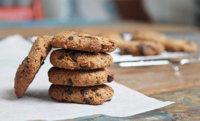 Deze guilt-free chocolade-chip koekjes zijn super gemakkelijk te maken en je hoeft je niet schuldig te voelen als je ze allemaal in één keer opeet.