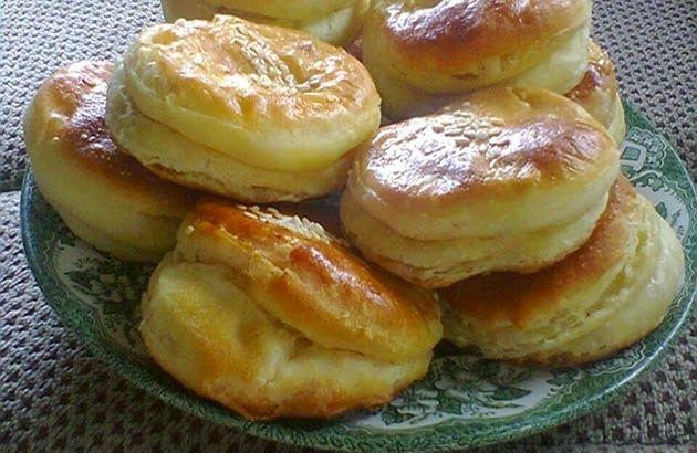 Idealno za doručak Sastojci brašno 1 kg margarin 250 gr sir 400 gr so 1 kašikica jaje 1 komad kvasac…  more →