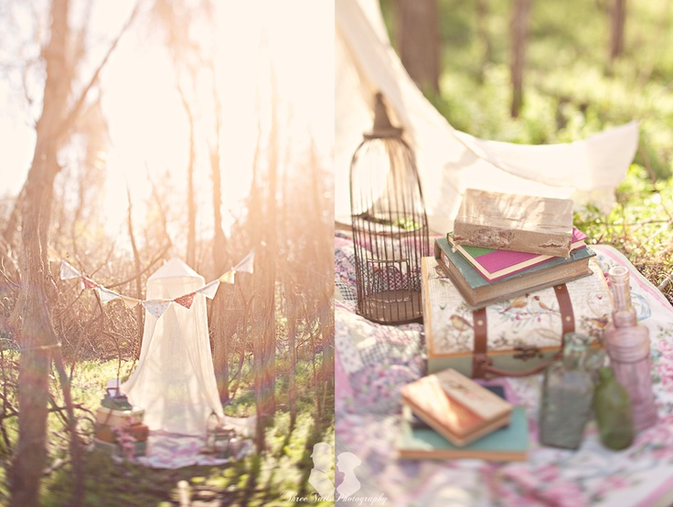 Super cute set up, i could defintiely do this with all the props i have