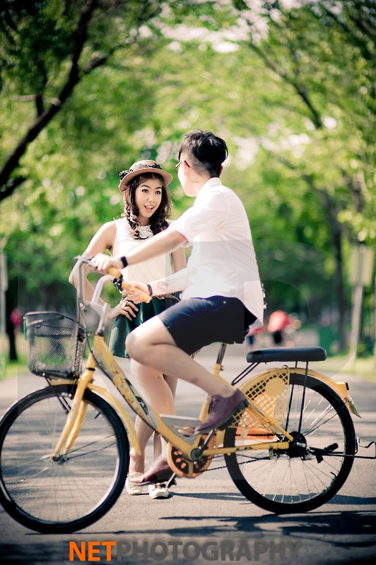 Pre-Wedding session at Rod Fai Park in Bangkok, Thailand.