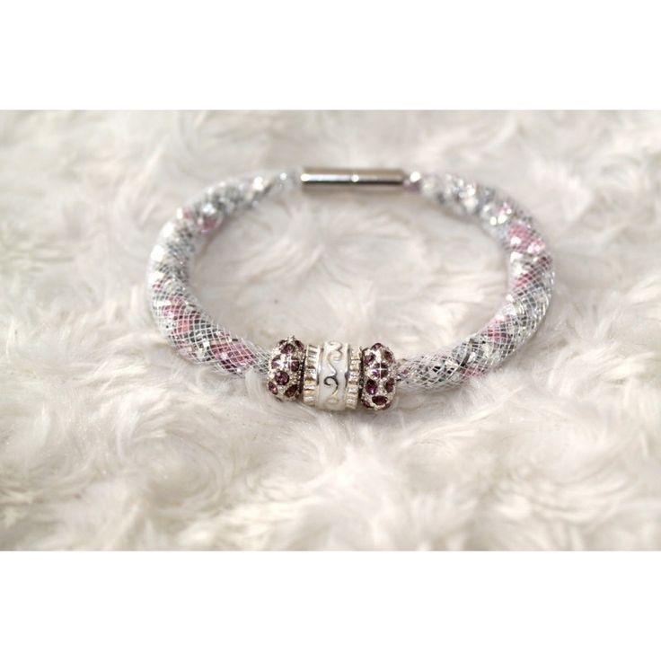 Bracelet tubulaire résille perle strass et strass (disponible en ROSE ou en BLEU) 7,00 € Tom Fimo Créations