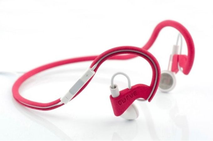 Everybody and their grandmother has a set of Apple earphones (if not many), and while they're not half bad as far as stock headphones go, they're incompatible with any kind of running or workout - they won't stop falling out. Headbuddy by Curve Creative spares you the need to get another set and instead adapts your existing pair to a behind-the-ears design, while still keeping the remote handy.