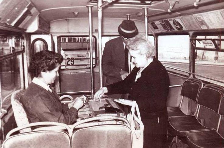 1960-as évek ülőkalauz a buszon