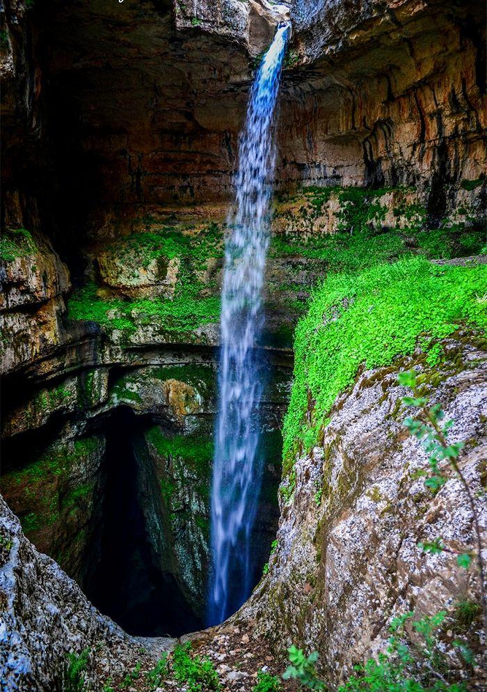 滝は雪解けの時にだけ。-バータラ峡谷, レバノン