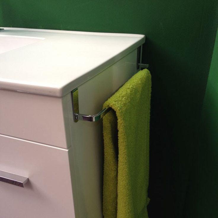 Toallero lateral para mueble de baño