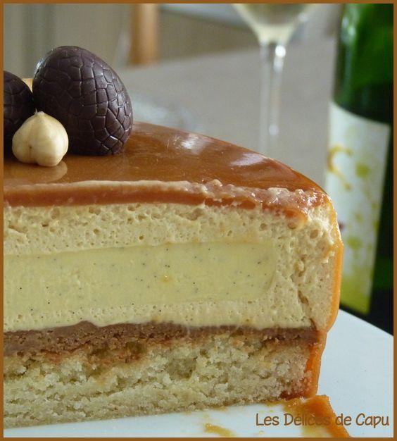 Entremets vanille caramel sur financier - Mousse caramel, crémeux vanille et insert croustillant praliné