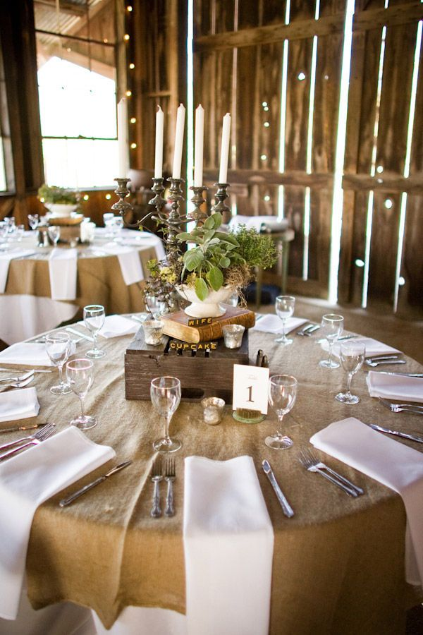 Love burlap as table linensIdeas, Tables Sets, Burlap Tables, Centerpieces, Tables Linens, Round Tables, Barns Wedding, Center Piece, Rustic Wedding
