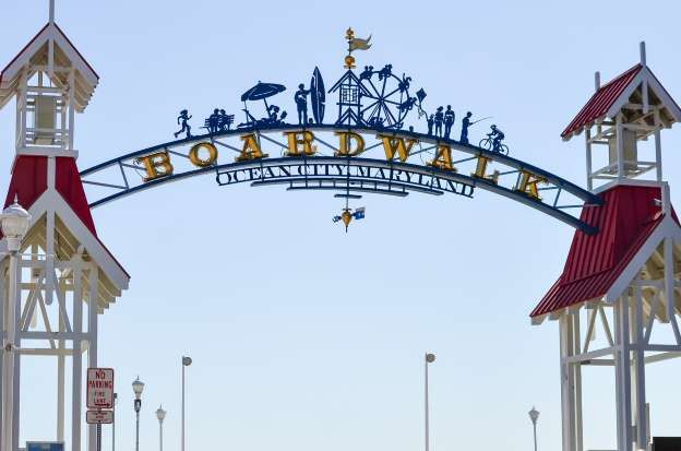 Hello Summer The Top 45 Memorial Day Weekend Destinations In The Us Ocean City Beach Town Day Trips
