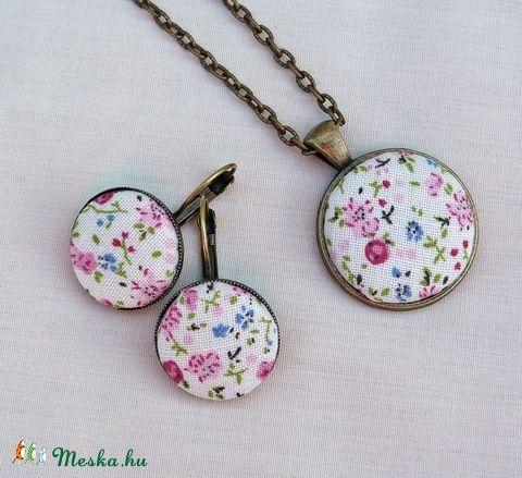 Tavaszi virágos  ékszerszett (Gubancbolt) - Meska.hu