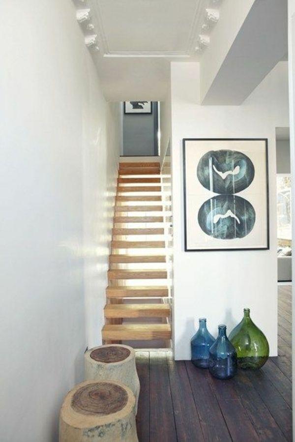 dekoideen im flur schwebende treppe abstraktion an der wand