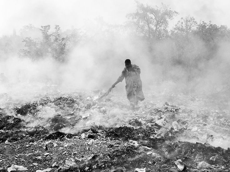 What is killing people - POLLUTION A landfill fire in Fada-Ngourma, Gourma Province, Burkina Faso. Photo by Flickr user lepetitNicolas. CC-BY-NC-SA 2.0
