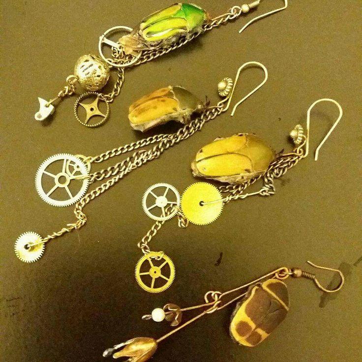 Bug earrings by magalacrima