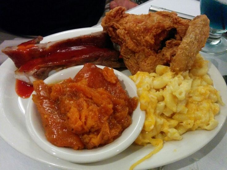 Sylvia's Restaurant, Bar-B-Que ribs and fried chicken w/ macaroni & cheese and candied yam - B: 3.5 (without sides)