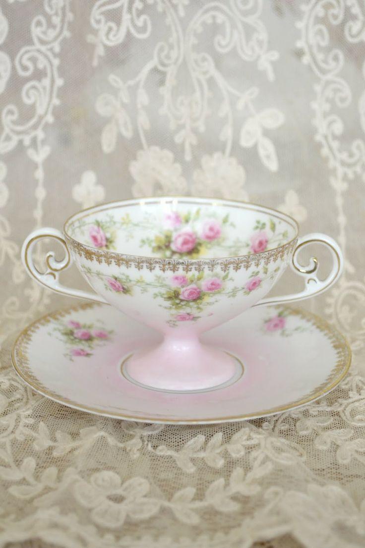 Vintage Teacup & Saucer Set ~ Shabby Chic Pink !