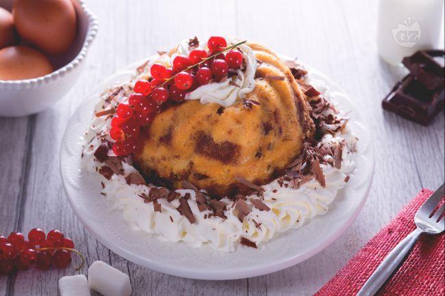 Come rendere originale il panettone, uno tra i più grandi classici delle festività natalizie? Con il budino di panettone! Sorprendente!