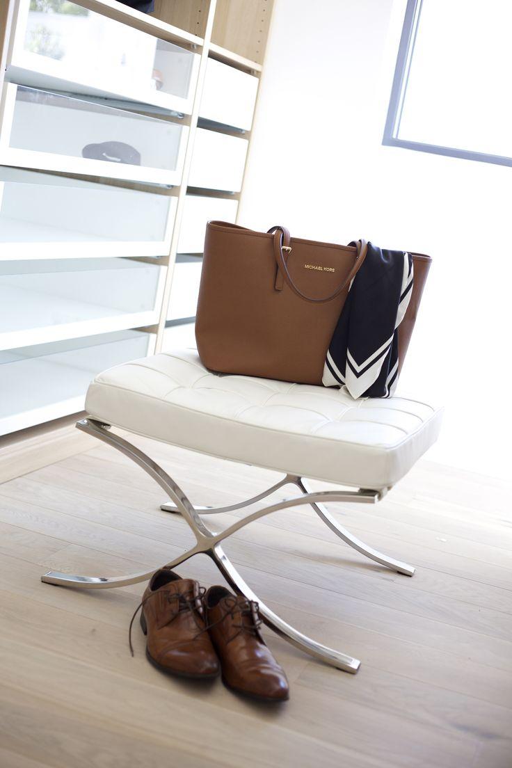 Detaljer fra garderobe  #urbanhus#garderobe#lyst#lekkert#contemporary#wardrobe#detalj