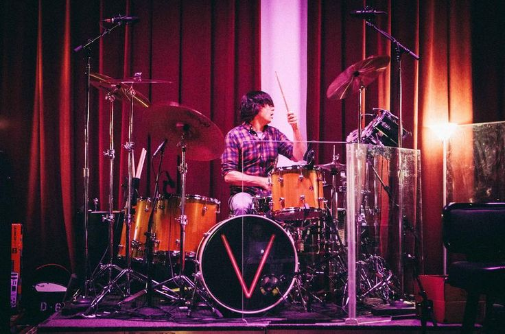 Maroon 5 drummer Matt Flynn playing his 5 piece Honduran Mahogany drum kit during 2015 tour rehearsals.