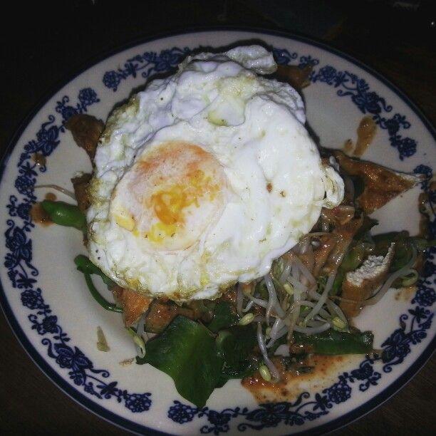 Indonesian salad (pecel)
