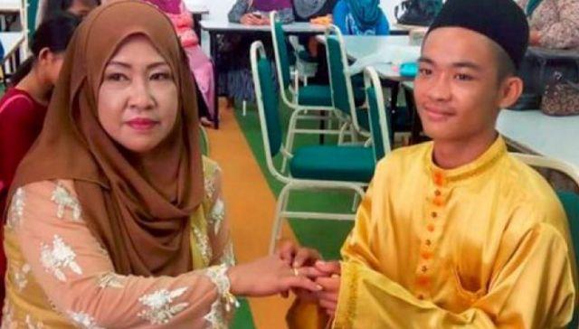 Benar Benar Heboh  Cowok 18 tahun Kawin dengan Janda Lima Anak Luar Binasa !