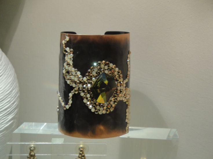 Hand made hammered bracelet with swarovski crystals