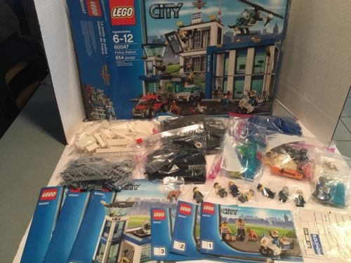 LEGO City Police Station Set 854 Pieces 60047 Complete With Box And Manuals