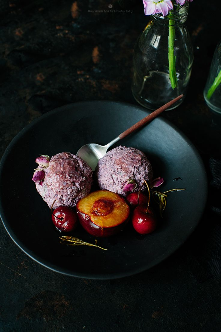 Millet bircher balls with baked fruits / What should I eat for breakfast today