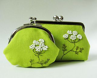 Queen Anne's Lace on grass green purses